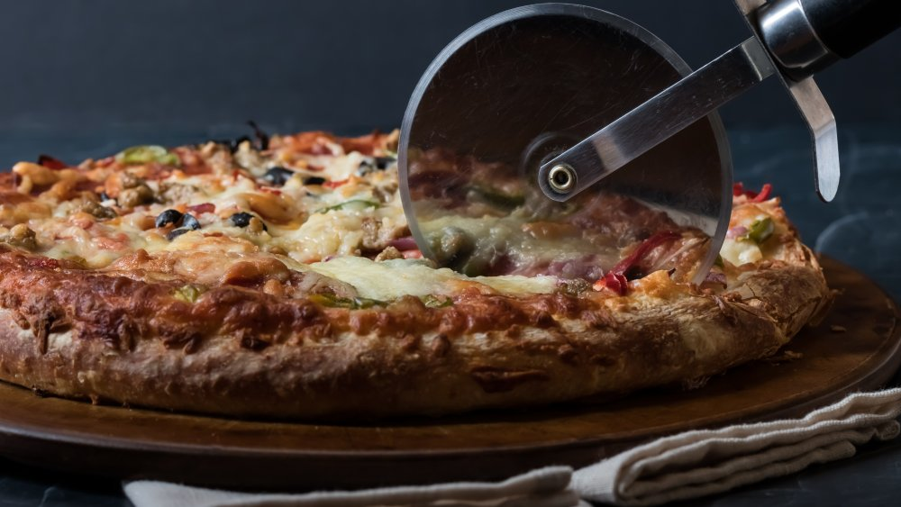 The Best Pizza Cutter – Buying Guide